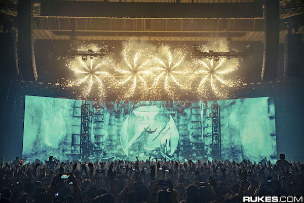 productionclub-zedd-truecolorstour-worldwide-2015-08.jpg